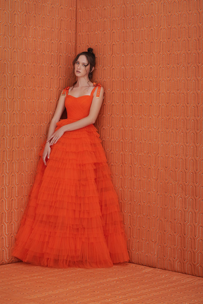 layered tulle volume gown