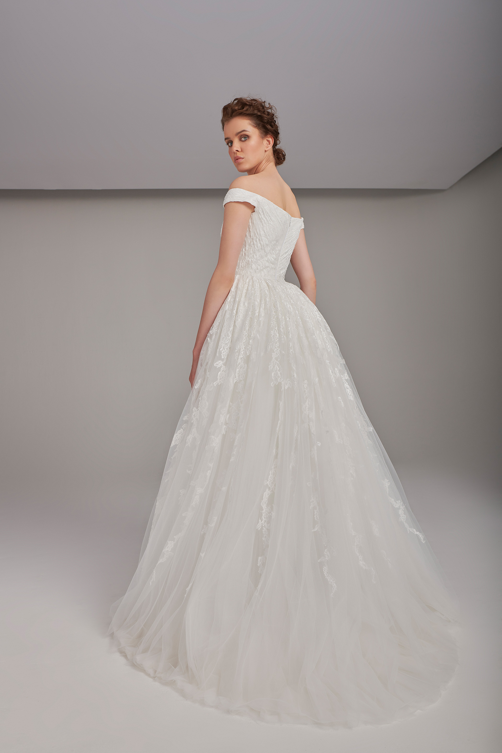 Sweetheart neckline gown with embroidered lace